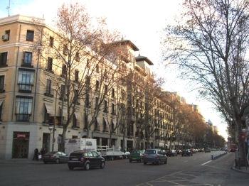 Un paseo por las calles m s lujosas de europa the coco life - Calle serrano 55 madrid ...